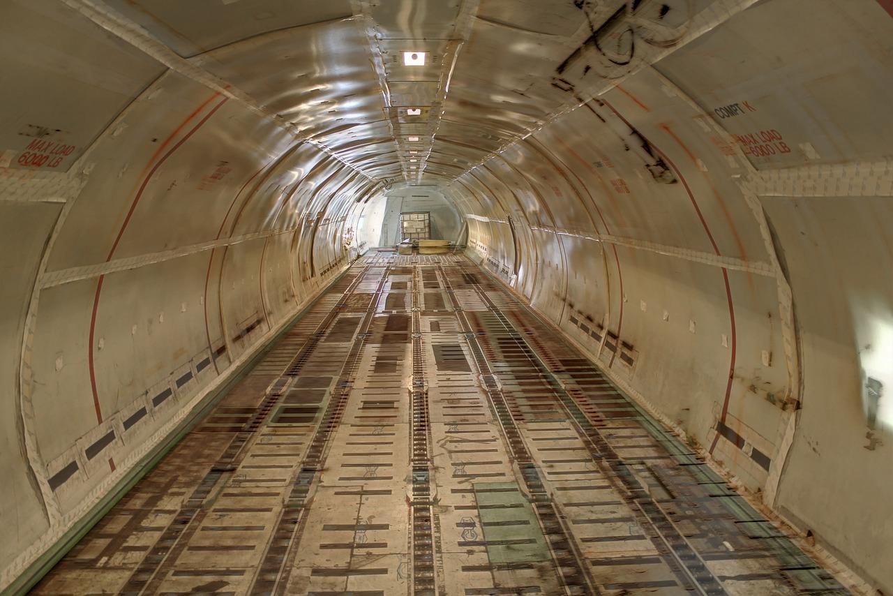 airplane_cargo_-2214497_1280